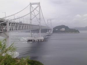 淡路島から四国を望む