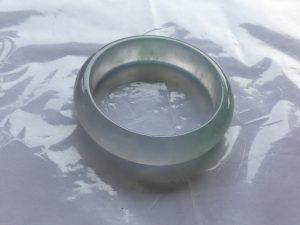 氷翡翠(ヒスイ)バングル